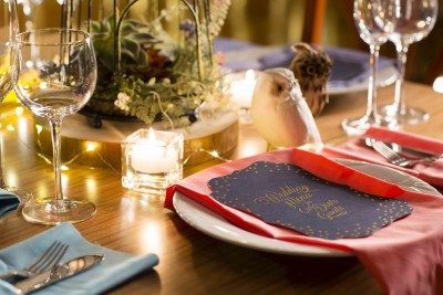 ゲストのテーブルを彩る様々なコーディネートアイテム