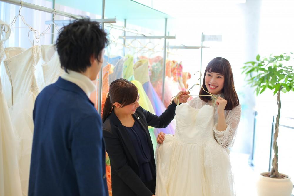 【最新ブランドドレスが続々】彼も一緒に★ドレス試着フェア