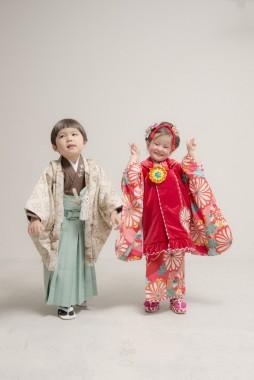 お子様の健やかな成長を祝う七五三♫ 衣裳と写真がセットでおトクな七五三セットご予約受付中!