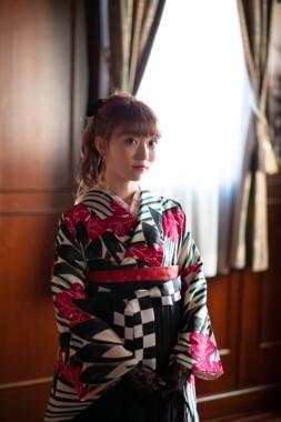 卒業式・袴レンタル|門出を祝う晴れの舞台は袴姿で♡【学生さん・先生向け】